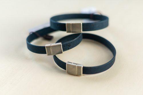 Armband blau eckig